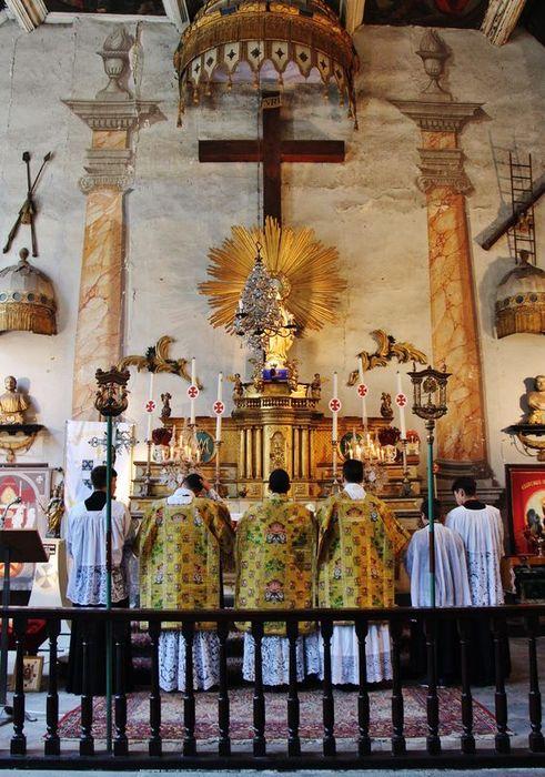 15 - chapelle des pénitents - Messe.JPG