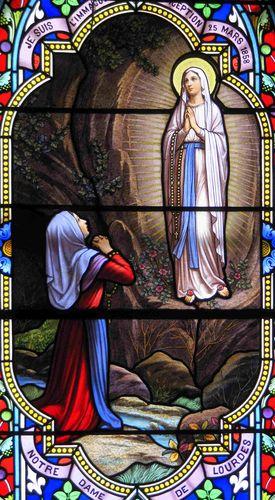 apparition de ND de Lourdes - vitrail de l'église de Chirens.jpg