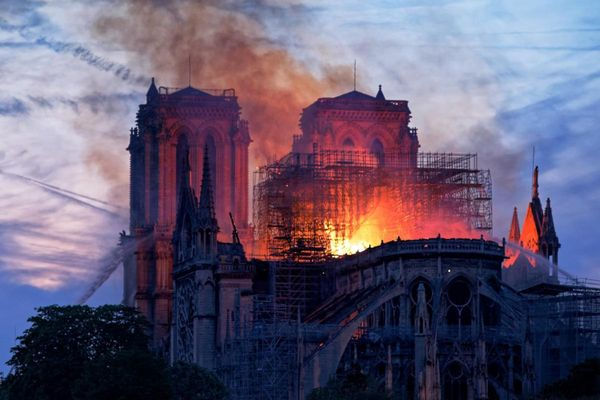 Incendie de Notre-Dame de Paris - 15 avril 2019.png