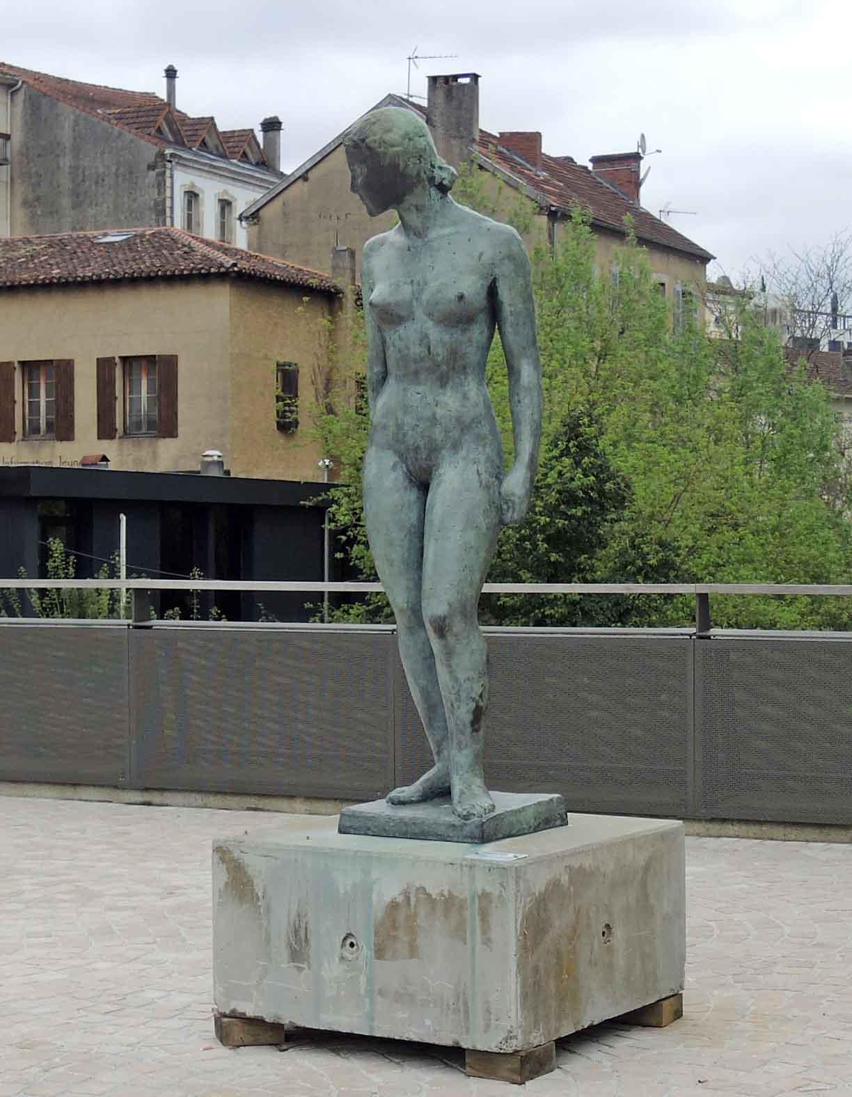 https://static.blog4ever.com/2015/09/808576/DSCN6635_mont-de-marsan-statue-charles-despiaux_phot-r1c1w1.jpg