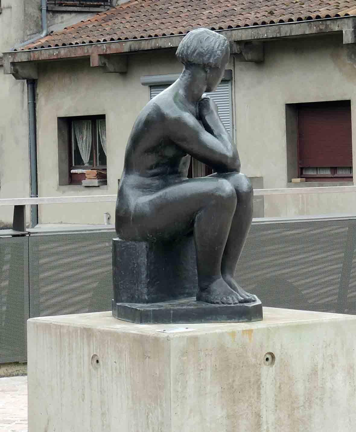 https://static.blog4ever.com/2015/09/808576/DSCN6641_mont-de-marsan-statue-charles-despiaux_phot-r1c1w1.jpg