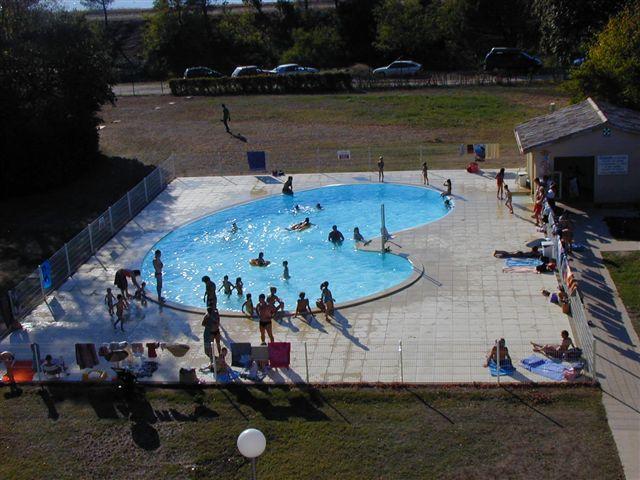 Ouverture de la piscine du centre de loisirs les roches for Ouverture piscine