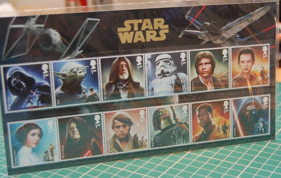 pochette de timbres anglais.jpg
