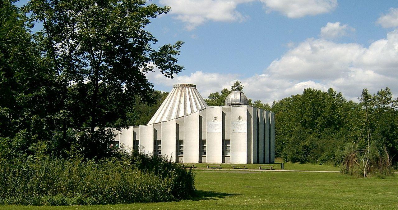2007-07_Halle_(Saale)_10planétarium.jpg