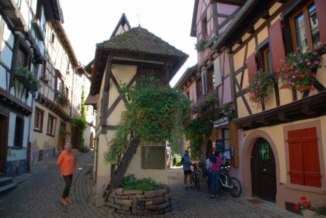 150921_03Eguisheim_0027 (800x536).jpg