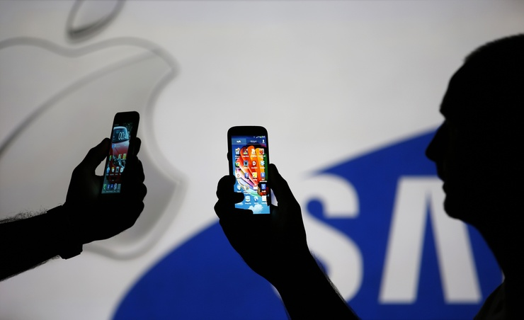 Apple Adds Low Cost Smartphone To Portfolio.jpg