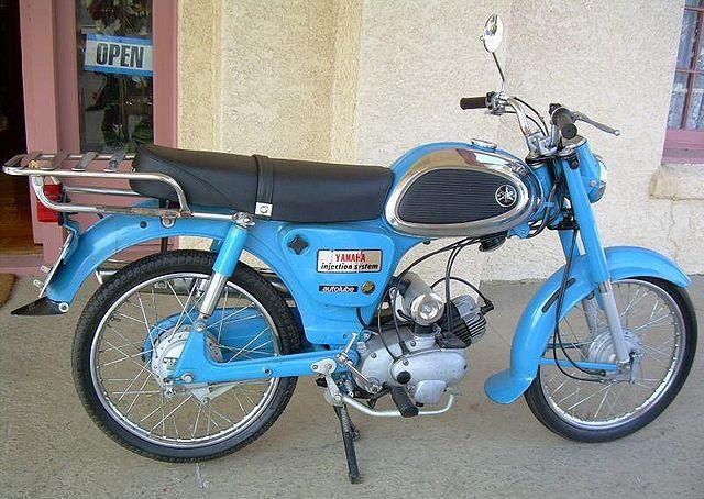 640px-1965-Yamaha-YJ2-Blue-3246-1.jpg