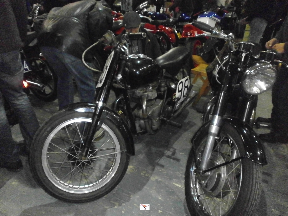 INDIAN 440cc de 1949 quest.JPG