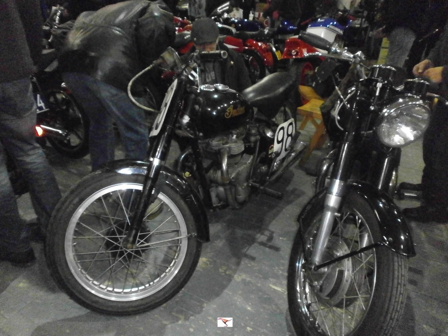 INDIAN 440cc de 1949 rep.JPG