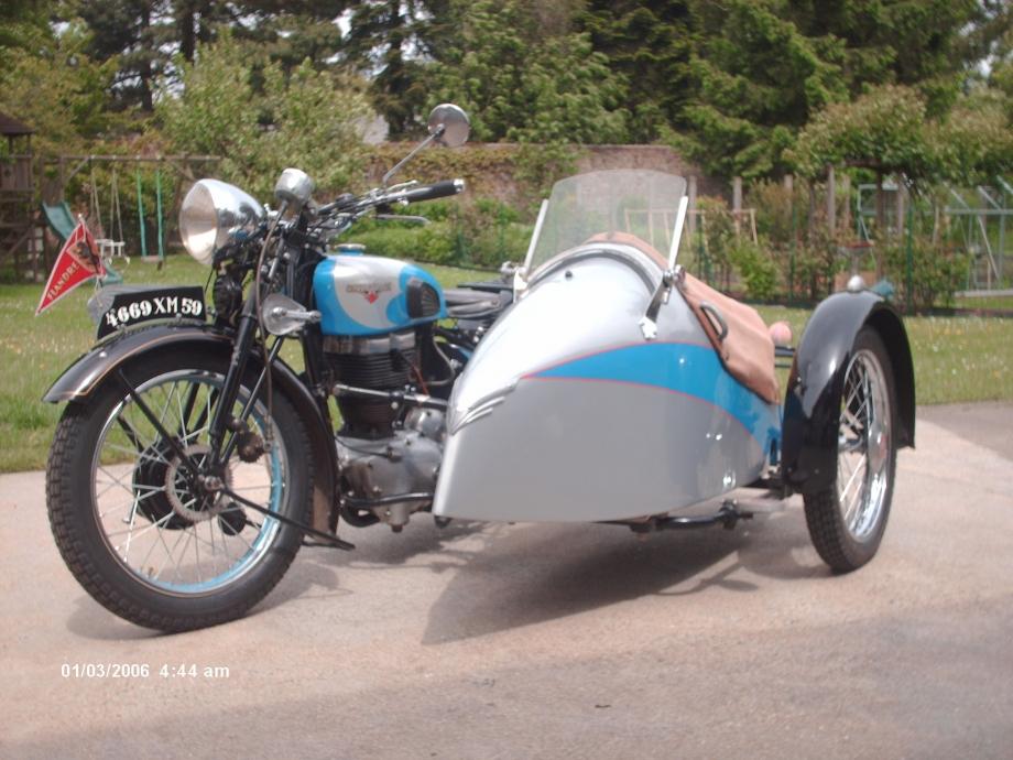 Motobécane S5C 1938 attelée à Impérial T35 GS.JPG