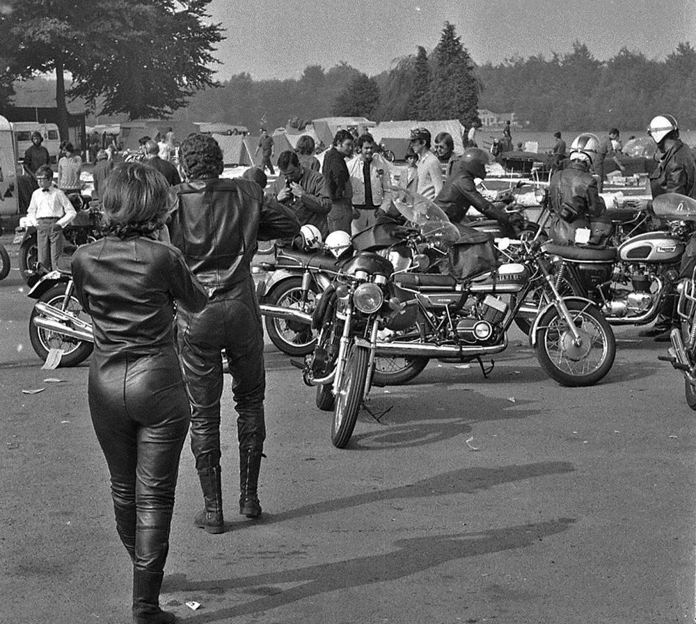 Bruges Cheval d'Acier 1971 photo blog 04 Yamaha  Bonneville.jpg