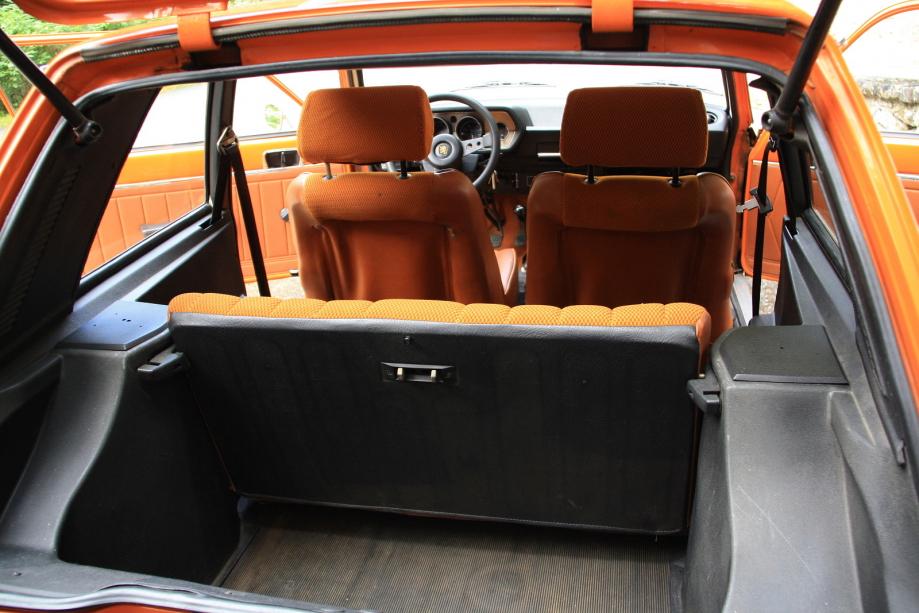 Peugeot 104 ZS_09.jpg