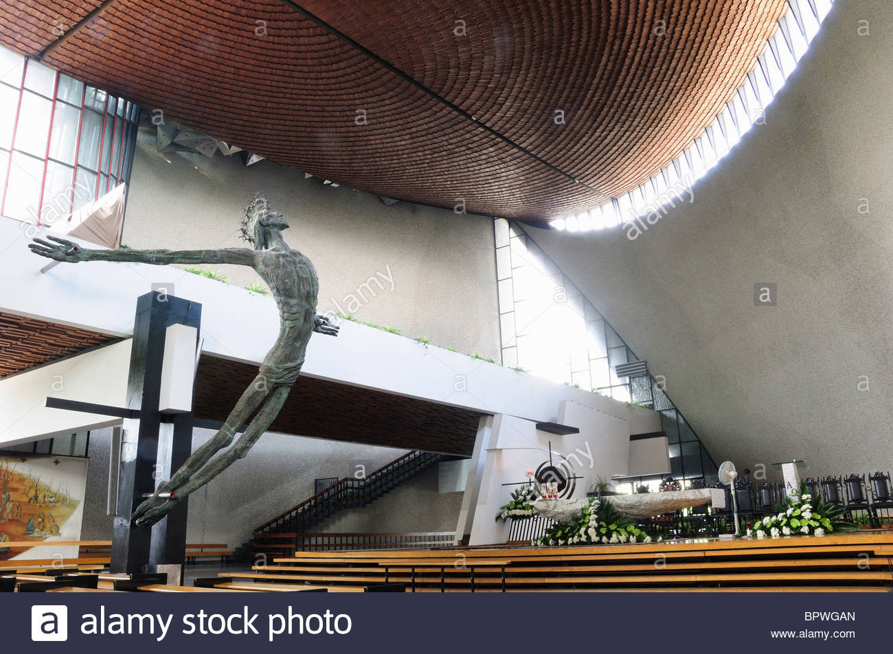 NVchurch-interior-with-bronislaw-chromys-crucifix-ark-of-god-church-BPWGAN.jpg