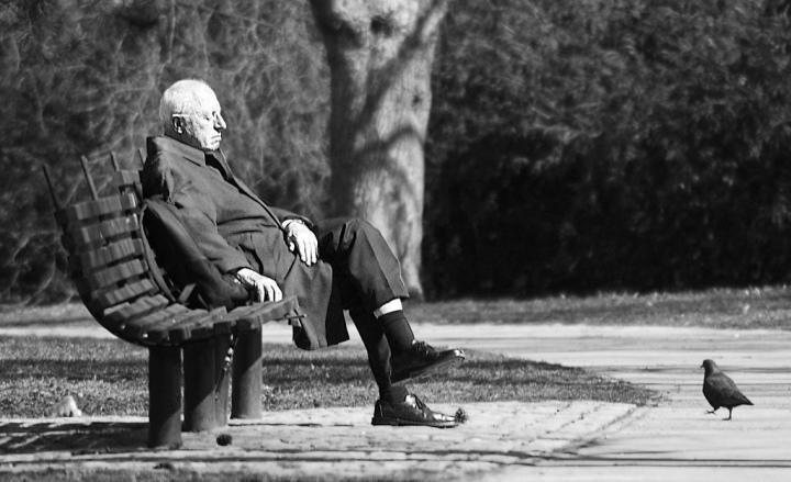 vieil-homme-banc.jpg
