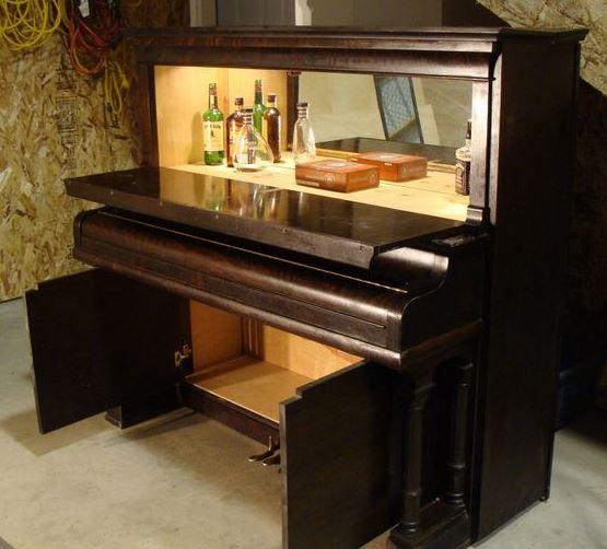 piano ancien en bar 004.jpg