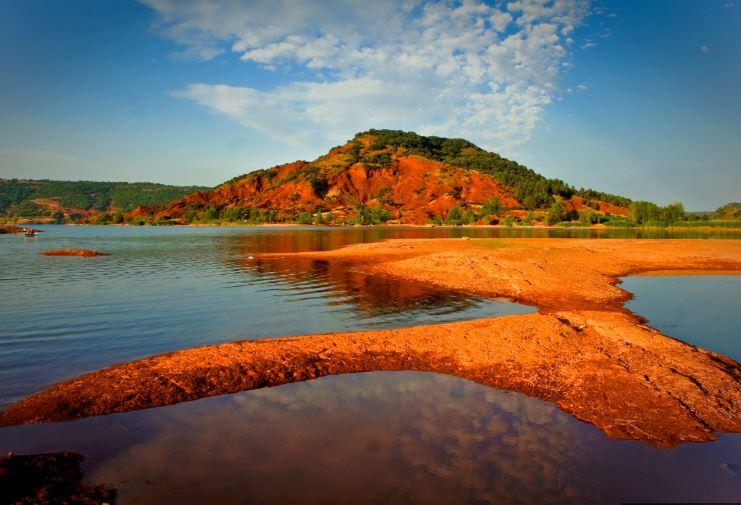 lac de salagou.jpg