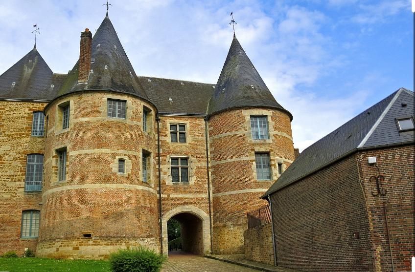 chateau de Gacé.png