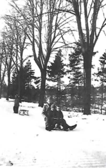 1948 paté luge lendemain noël.jpg