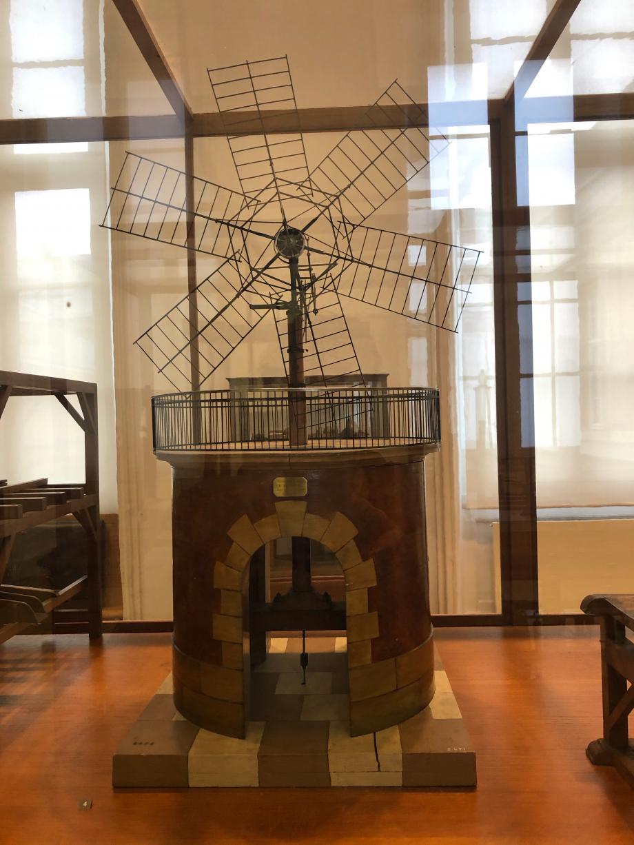 Moulin à vent actionnant une pompe vers 1830