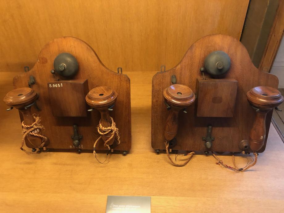 2 postes téléphoniques complets de Bell 1878