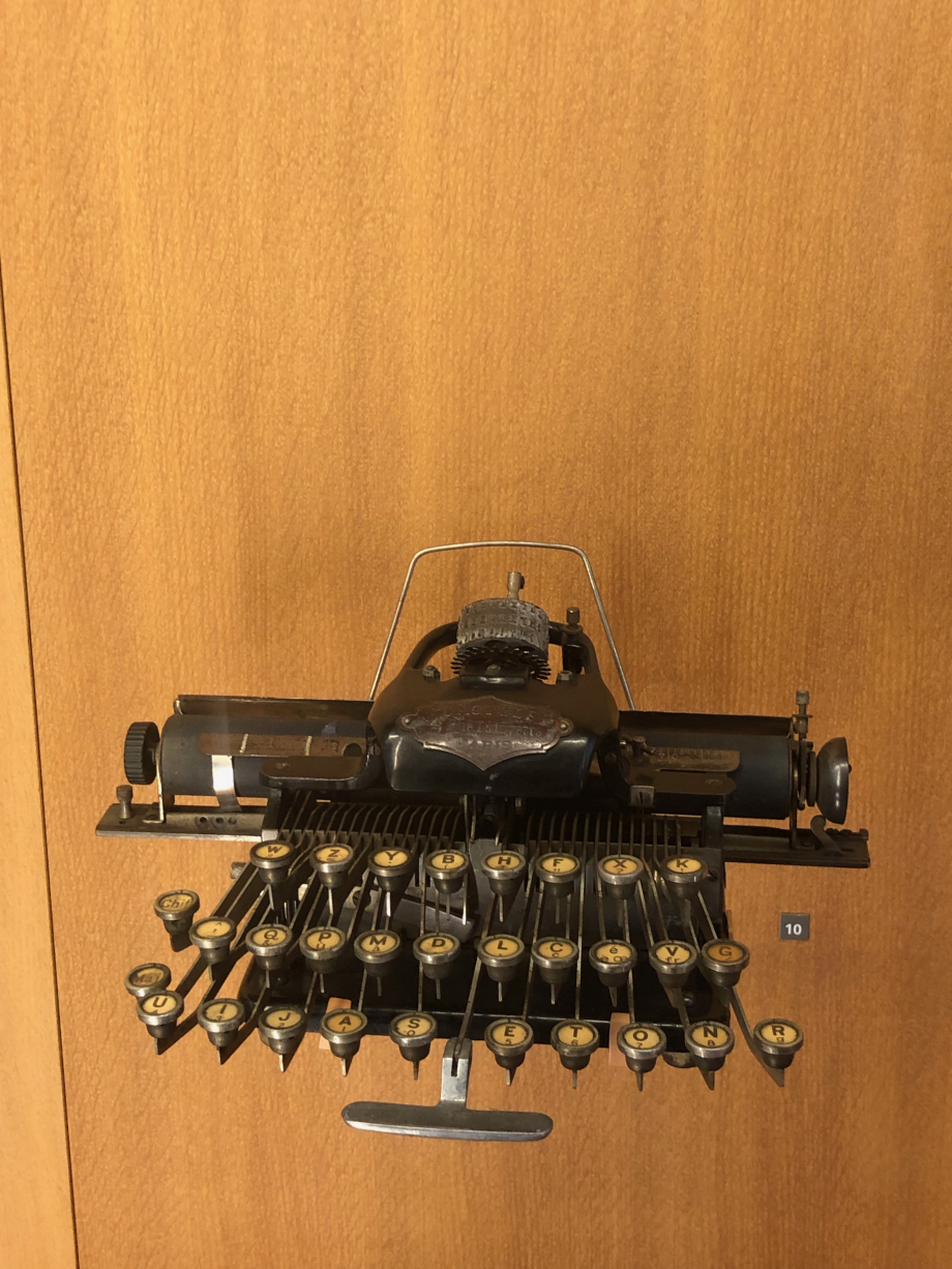 Machine à écrire Dactyle 1895