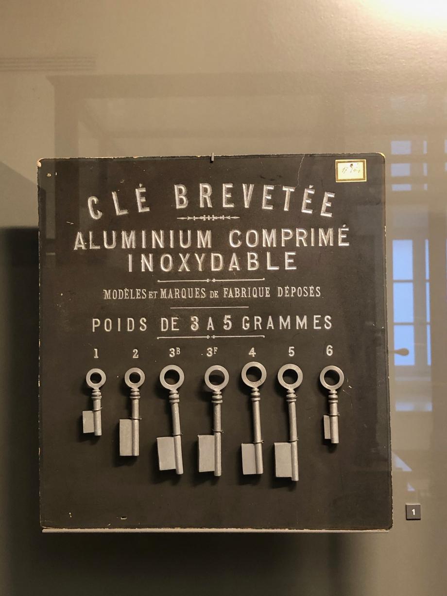 Tableau d'échantillons de clés en aluminium 1892