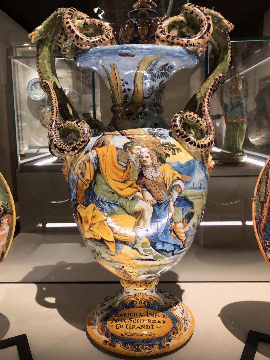 vase  aux anses en forme de serpent, l'Empereur Henri V et Saint Pierre sauvé des flots