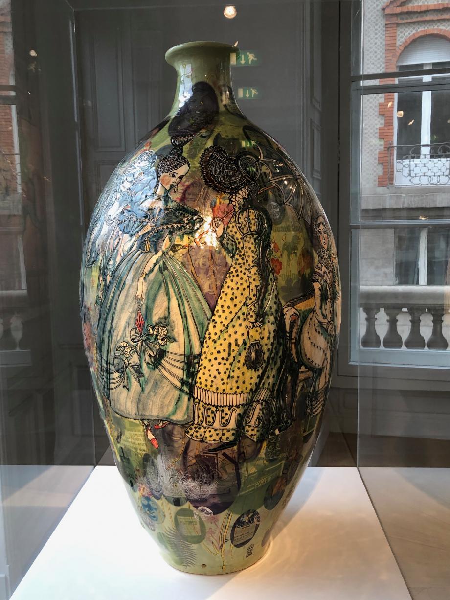 Jane Austen in E17 - 2009 On y voit des dames vêtues de robes classiques de l'époque géorgienne et prenant le thé.