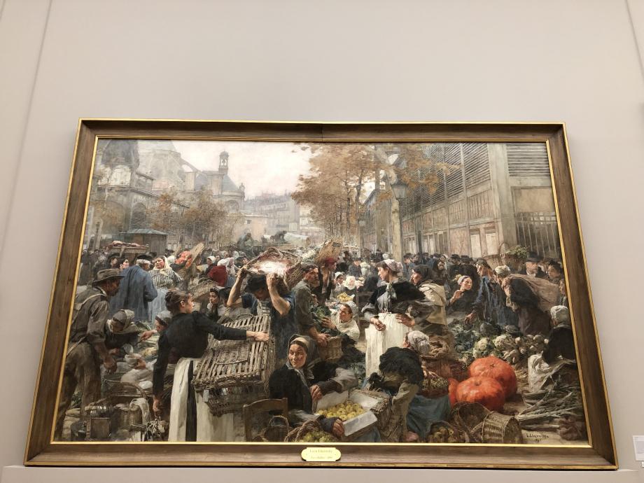Léon Lhermitte - Les Halles - 1895 Ce tableau était auparavant à l'Hôtel de Ville de Paris ; il a été transféré au Petit Palais en 1904. Il est resté entreposé et roulé durant une partie du XXème siècle jusqu'en 2013. il a été restauré grâce au mécénat du Marché International de Rungis