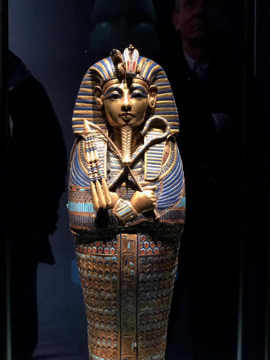 Cercueil canope incrustés d'or de Toutânkhamon dédié à Amset et Isis Visible pour la première fois hors d'Egypte