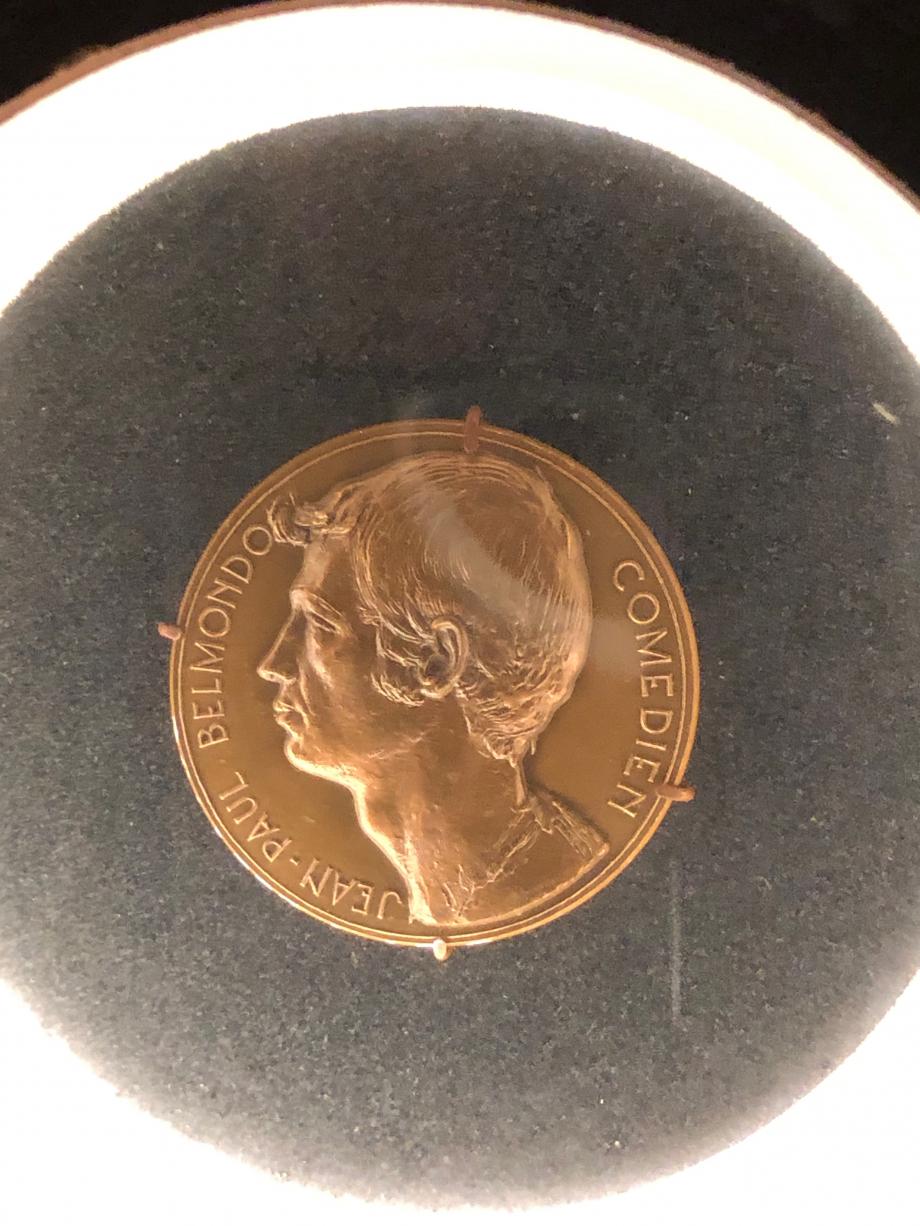 Jean-Paul sur une médaille