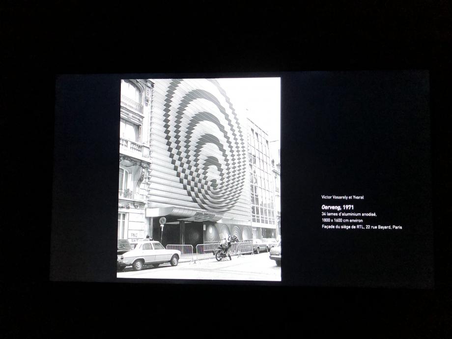 Vasarely réalise en 1972 la façade des studios RTL au 22 rue Bayard dans le 8e arrondissement de Paris, elle est habillée de lames métalliques et actuellement classée aux monuments historiques. Cette œuvre classée aux Monuments historiques, fut démontée lors du déménagement de la radio le 23 octobre 2017, RTL Group décide alors d'en faire don à la Fondation Vasarely, basée à Aix-en-Provence.