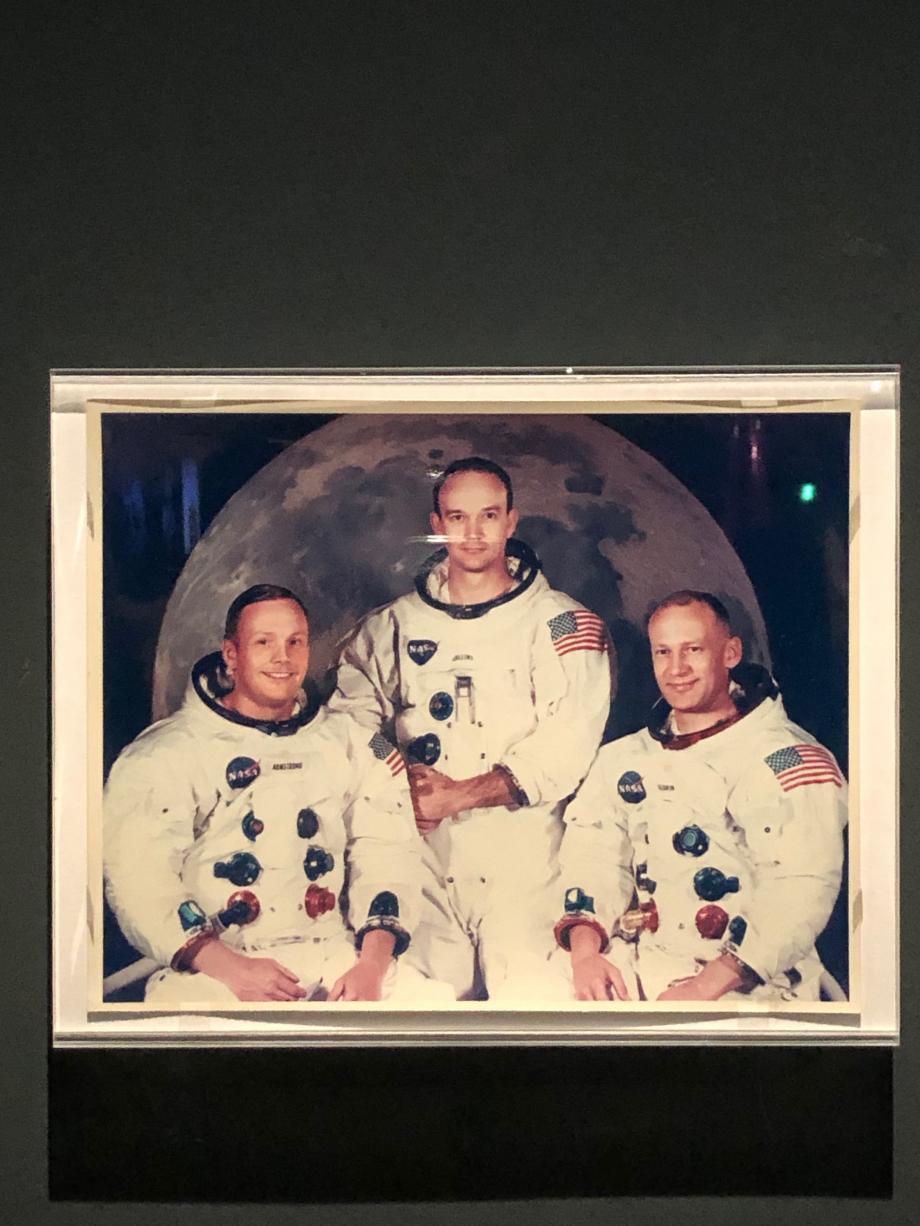 portrait officiel de l'équipage d'Apollo 11, mai 1969 de gauche à droite : Neil Amstrong, Michael Collins, Buzz Aldrin
