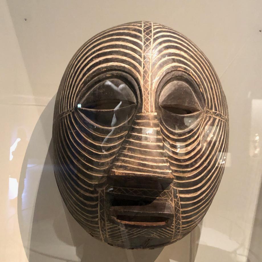 Masque Kifwebe Luba, avant 1912 Tervuren, Musée royal de l'Afrique centrale