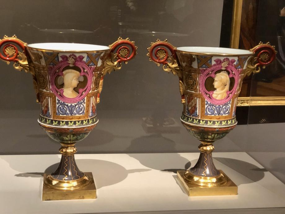 Manufacture royale de Sèvres Paire de vases Fragonard