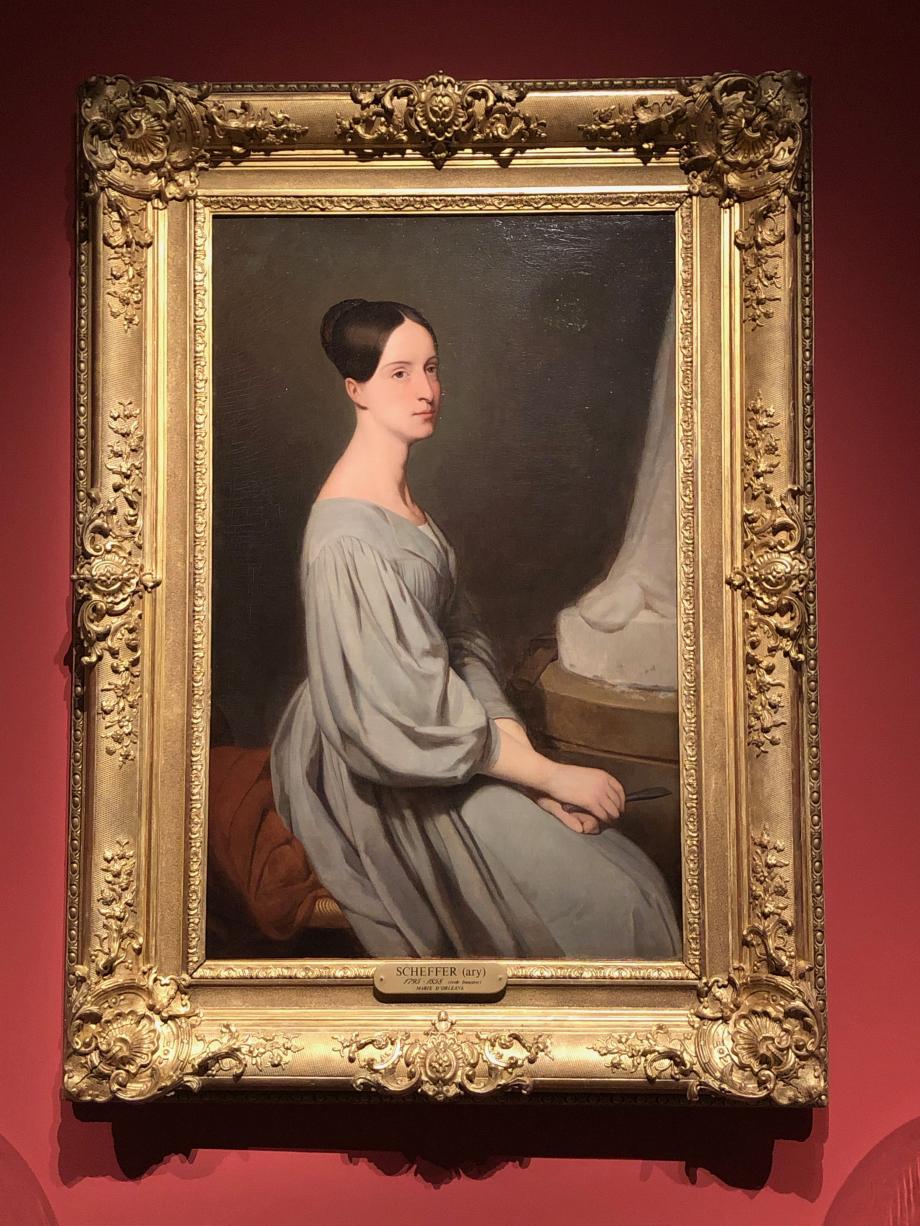 Ary Scheffer Marie d'Orléans - 1837 Deuxième fille de Louis-Philippe, Marie d'Orléans reçoit dès son plus jeune âge une solide instruction. Le peintre d'origine hollandaise, Ary Scheffer, lui enseigne le dessin, depuis ses 8 ans. Vers 1834, elle s'essaie à la sculpture et se montre très douée. Elle devient rapidement une artiste reconnue dans le domaine.  Chantilly, Musée Condé