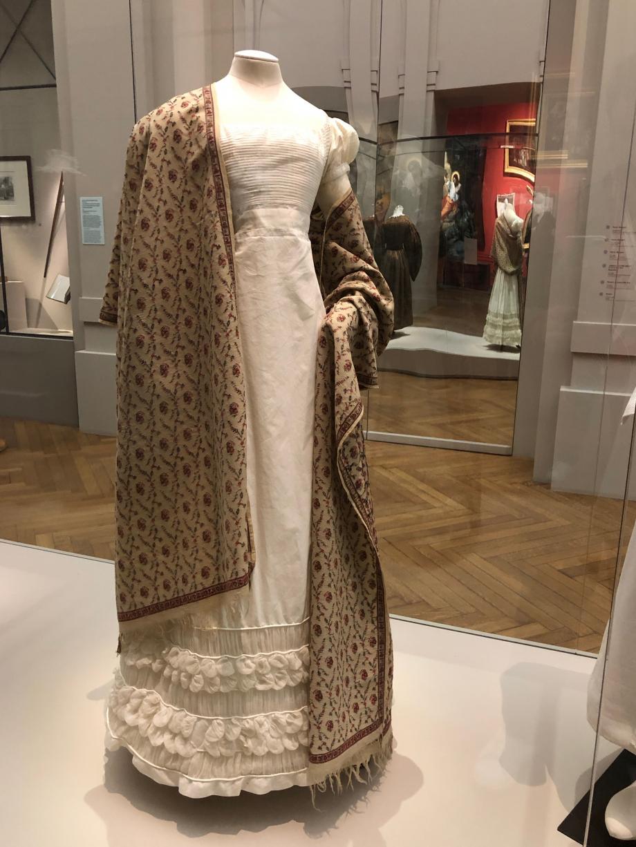 Robe d'été vers 1820-1824 Percale et mousseline blanches  Paris, Palais Galliera, musée de la mode de Paris