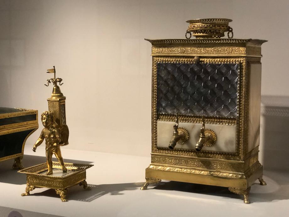 Fontaines à odeur  Paris, Musée des Arts Décoratifs