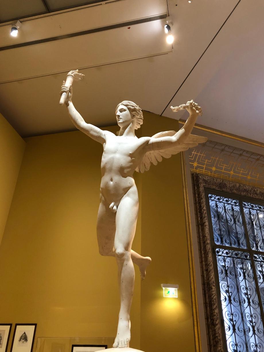 Agustin Dumont Le Génie de la liberté - 1833 Le plâtre présenté ici est le modèle réduit du Génie que l'on trouve en haut de la colonne de Juillet  L'original fait 4 mètre de haut