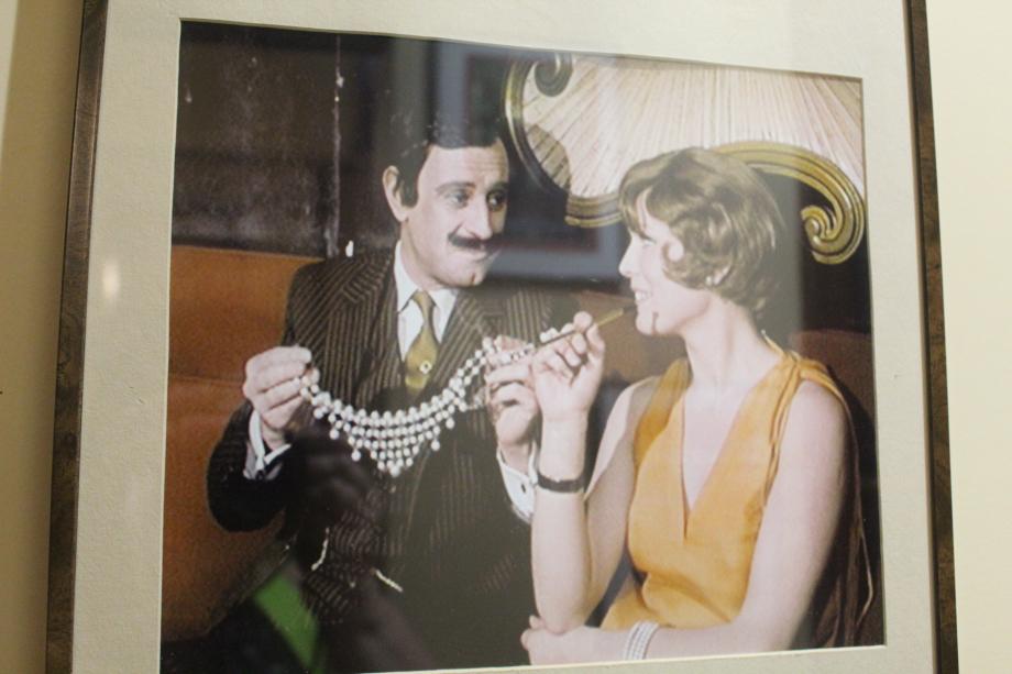 Le seul et unique Arsène Lupin : Georges Descrières  La série fut diffusée à la télé entre 1971 et 1974 2 saisons de 13 épisodes chacune