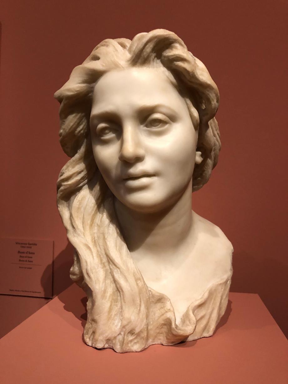Buste d'Anna vers 1886  Gemito rencontre en 1882 Anna Cutolo qui posait pour des peintres. Gemito épouse Anna quelques mois après. Elle devient son modèle et sa muse.