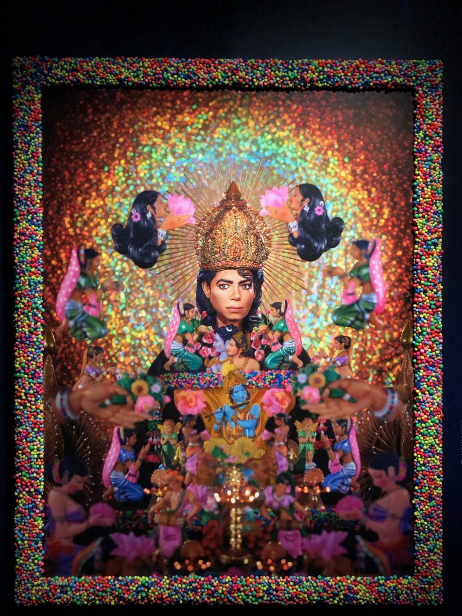 Loving you : hommage à Michael Jackson Evoqué dès 1995, ce portrait n'a finalement été exécuté qu'en 2017. Michael Jackson est représenté en divinité hindoue associé à Krishna
