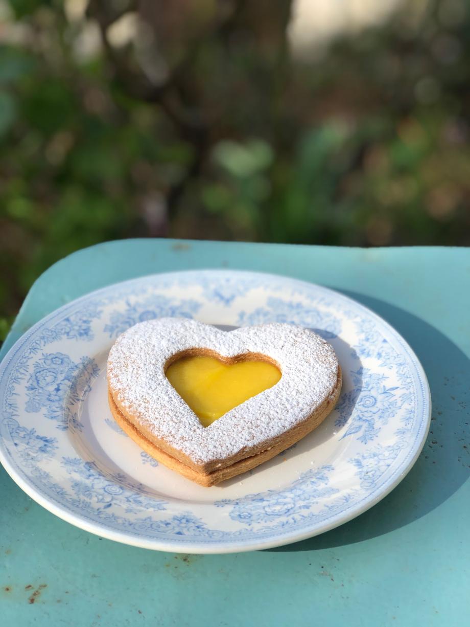 même le gâteau est en forme de coeur