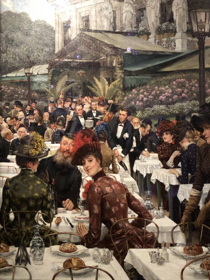 Les femmes d'artistes vers 1883 1885 Norfolk, Chrysler Museum of Art  Tissot représente ici les festivités accompagnant le vernissage du Salon qui se tient alors au palais de l'Industrie, sur les Champs-Elysées. Les tables du restaurant Ledoyen (dont on aperçoit l'architecture à l'arrière-plan) ont été dressées en plein air pour les artistes, leurs femmes et leurs amis. On reconnait le sculpteur Auguste Rodin et le peintre anglais John Lewis Brown parmi les convives.