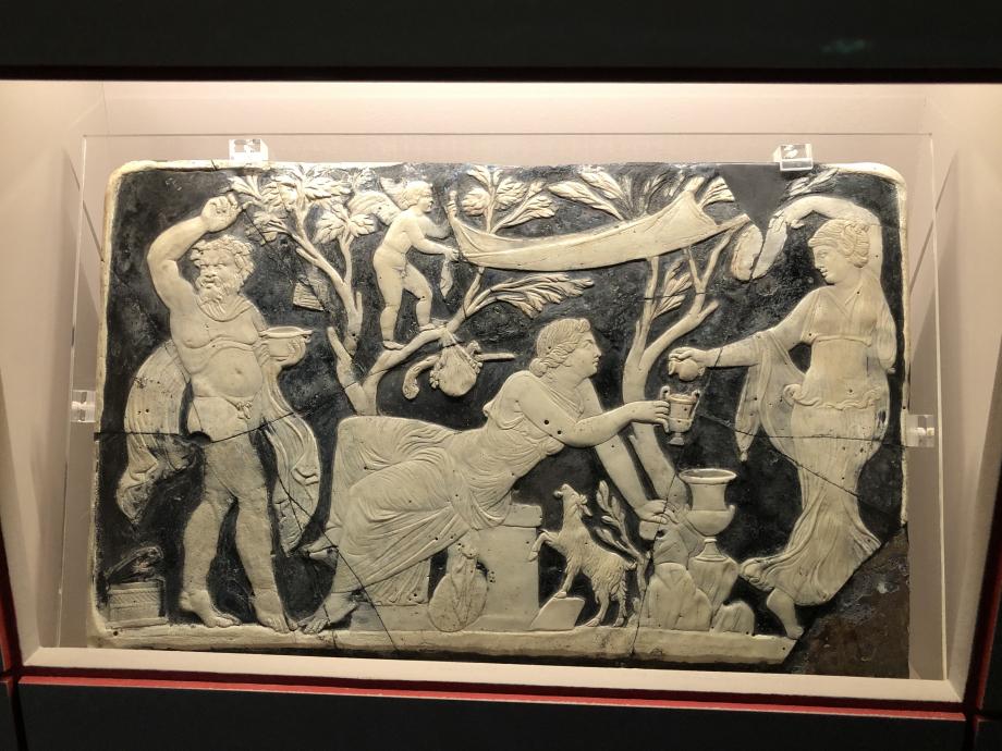 Panneau de meuble ornés de scènes du mythe de Bacchus et d'Ariane Maison de Marcus Fabius Rufus, salon