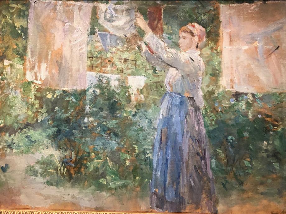 Blanchisseuse dit aussi Paysanne étendant du linge - 1881 Copenhague, Ny Carlsberg Glyptotek  Il s'agit sans doute d'une paysanne qui venait servir la famille Manet lorsqu'elle louait une maison à Bougival. Ce tableau est une des oeuvres les plus exposées du vivant de l'artiste.