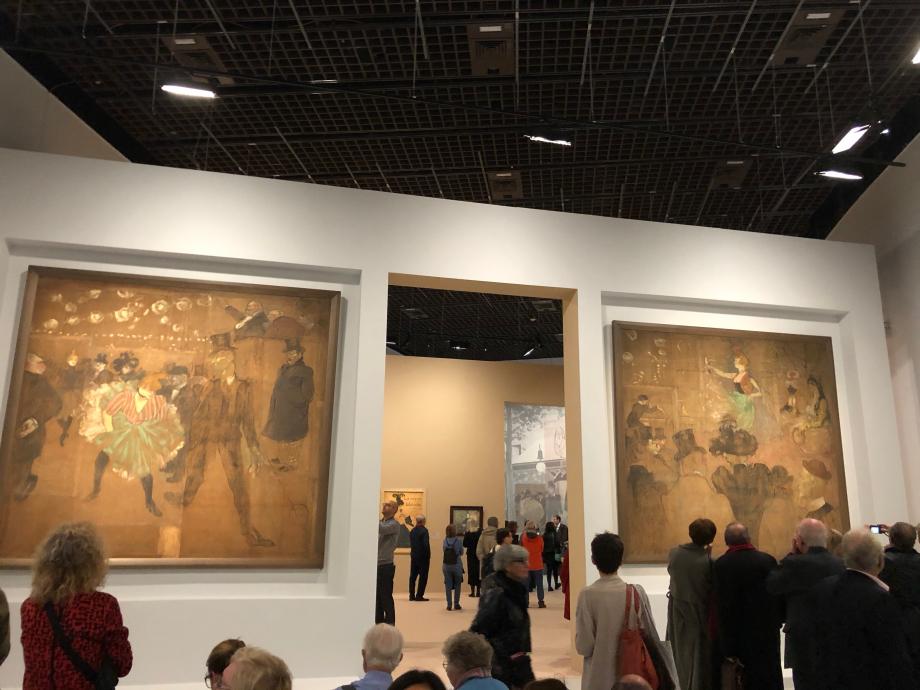 Toulouse-Lautrec représenta d'abord la Goulue sur une affiche à la demande des propriétaires du Moulin Rouge (voir photo plus haut). Louise Weber dite la Goulue est la vedette du