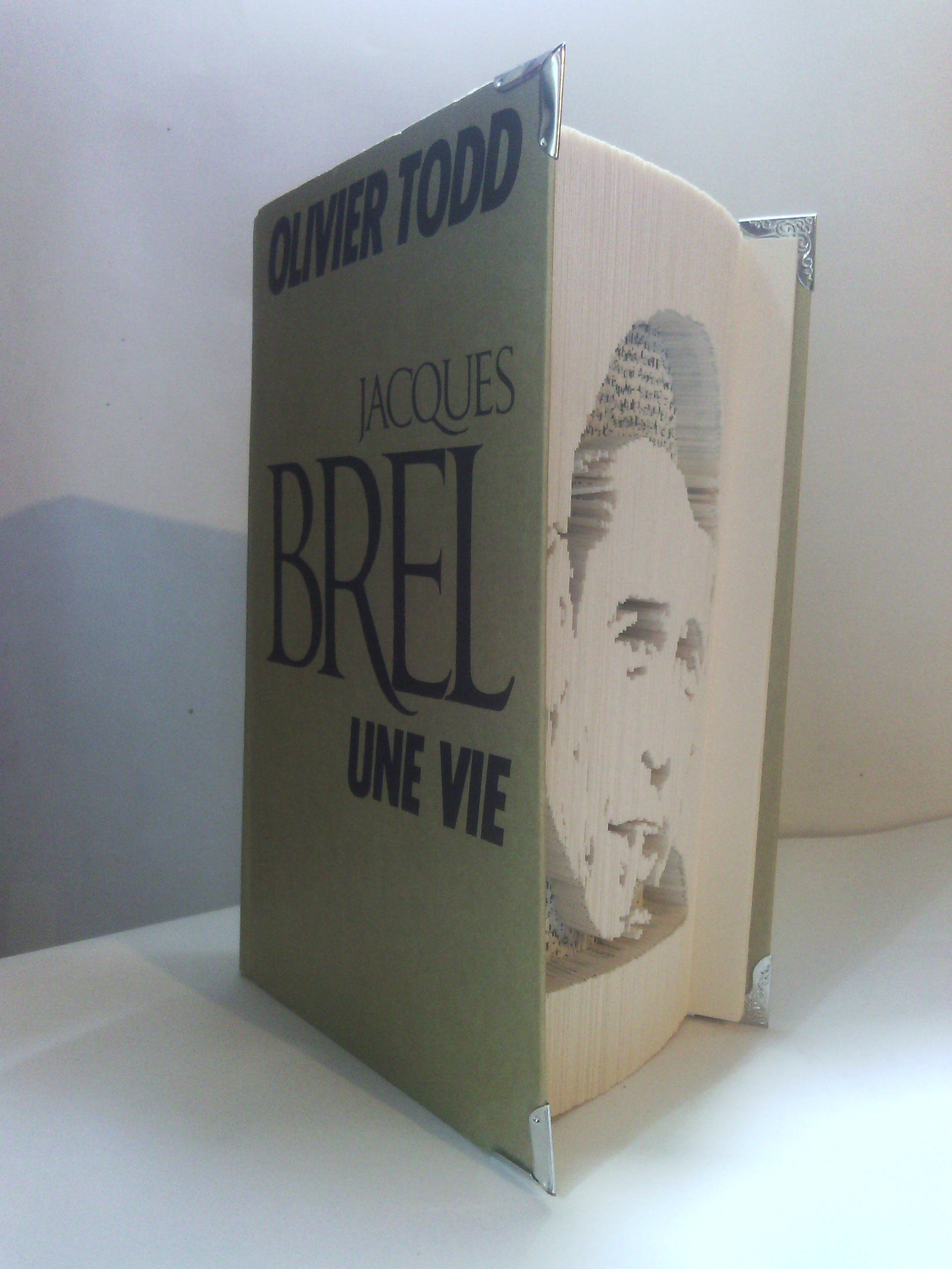 Jacques Brel son livre.jpg