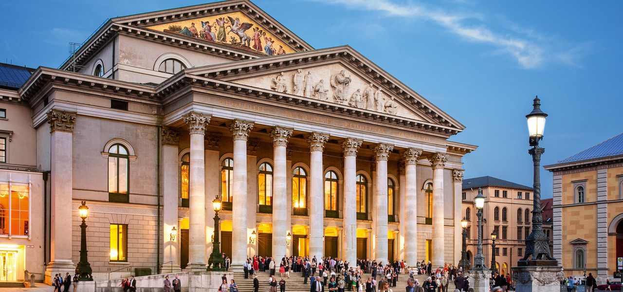 csm_Nationaltheater_c_Felix_Loechner_7fc52cb999.jpg
