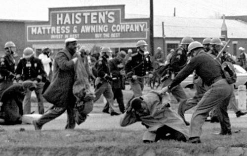 https://static.blog4ever.com/2016/03/816195/Chronique-12-bonus---Selma-violence.jpg